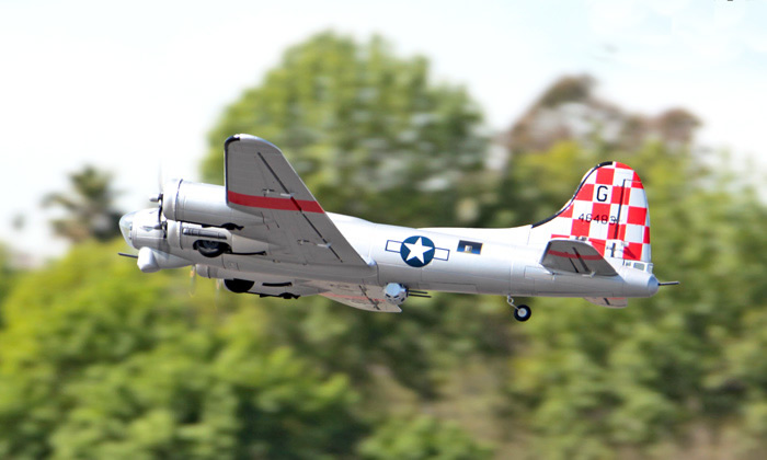 FreeWing B17 1600MM RC Flying Fortress EPO Foam PNP Silver RC Airplane