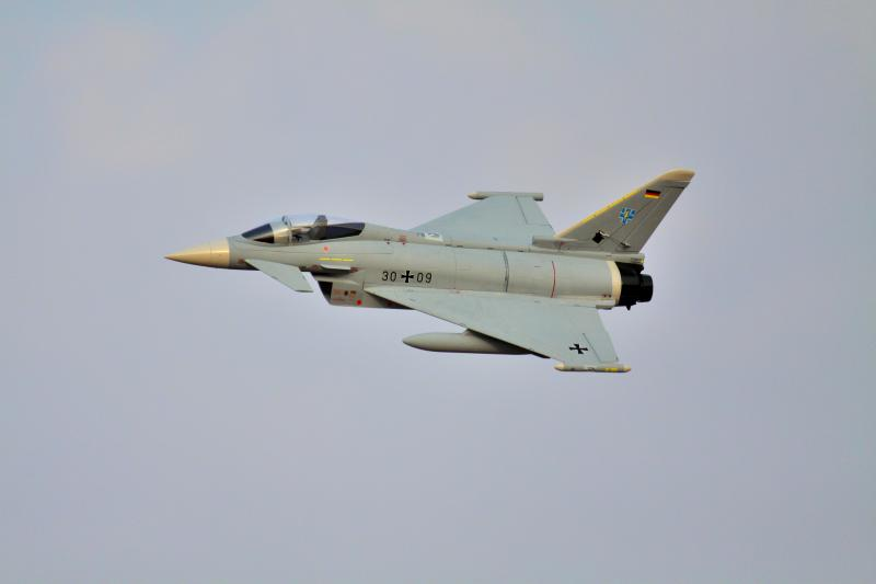 Freewing Eurofighter Typhoon V2 90mm EDF JET